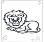 León tendido
