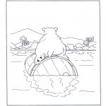 Animales - Oso polar sobre un tonel